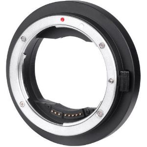 Picture of Viltrox EF-GFX Mount Adapter allows Canon EF lenses to be mounted perfectly on Fujifilm GFX-mount med-format cameras